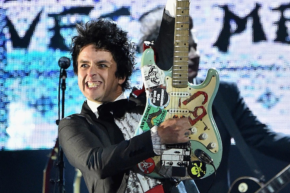 Billie Joe Armstrong (GREEN DAY) tease son projet solo !