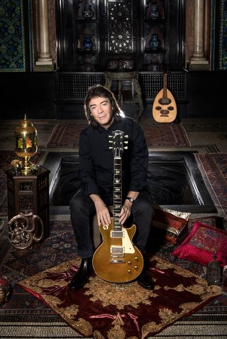 STEVE HACKETT : Détails du nouvel album 'The Night Siren'