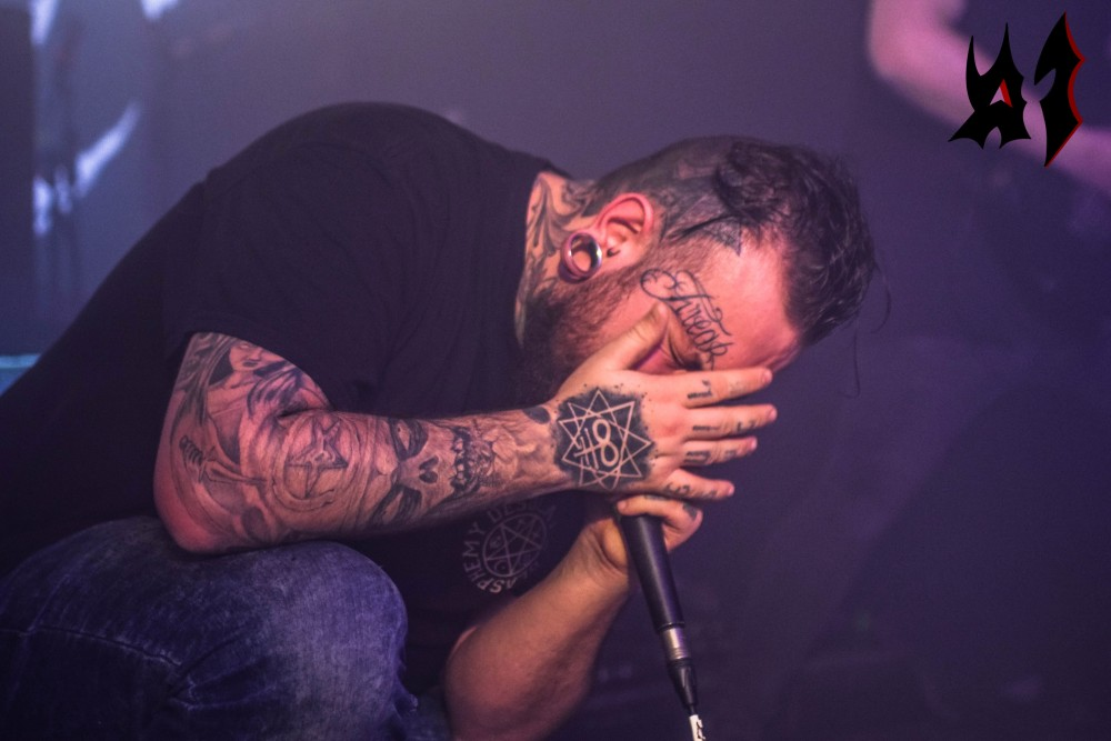 Report  OUT OF MY EYES / WIDESPREAD DISEASE / WITHOUT A SIN @ Gibus le  16/02/2018  !