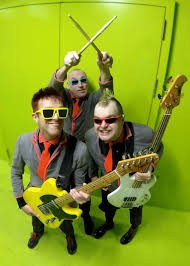 THE TOY DOLLS