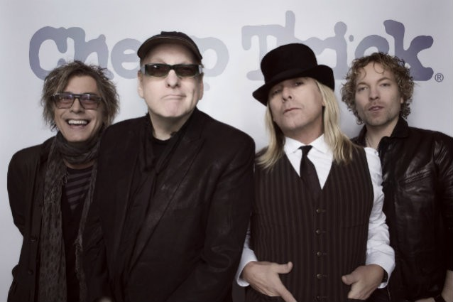 CHEAP TRICK sort un nouveau single ''The Summer Looks Good On You'' !