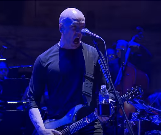Devin Townsend dévoile le premier extrait de son nouveau DVD ''Live At The Ancient Roman Theatre Plovdiv''