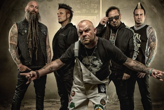 Five Finger Death Punch signe avec Artist Group International!