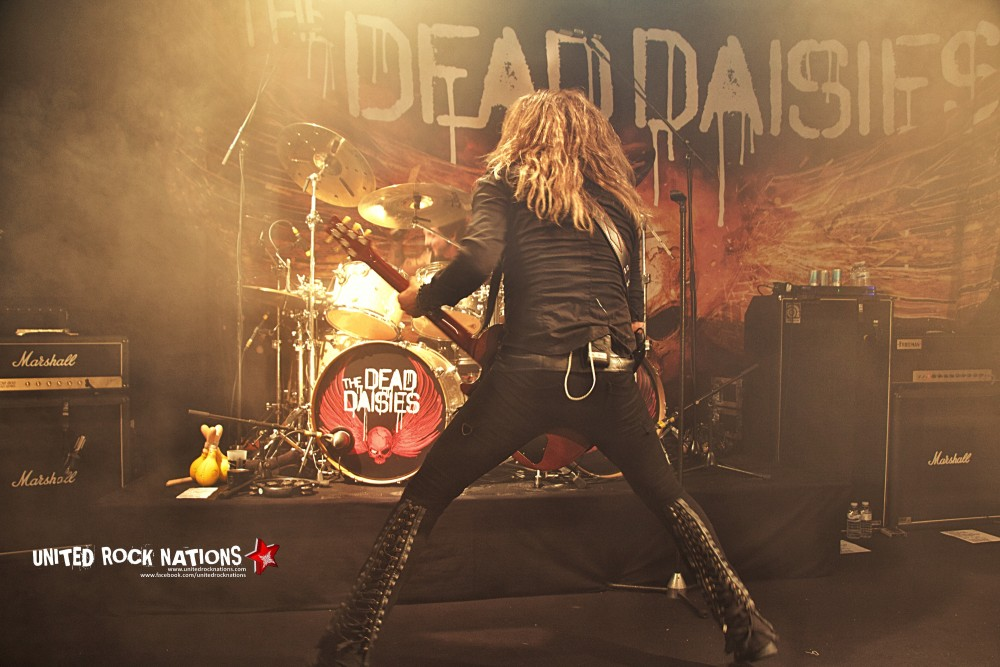 THE DEAD DAISIES / Guest THE NEW ROSES